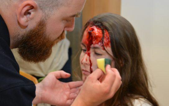 V kuchyni u maskérů: umělá krev, maso, figuríny