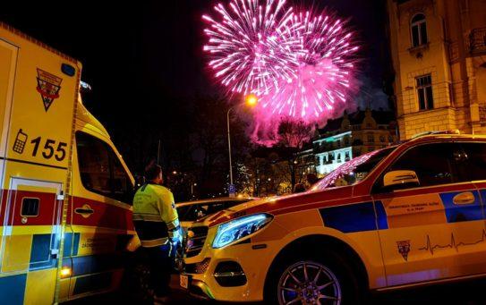 Během silvestrovských oslav vyjížděli v Praze záchranáři k 255 událostem