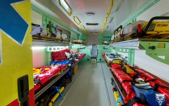 ZZS HMP se podílí na večerním transportu nemocných z Náchoda