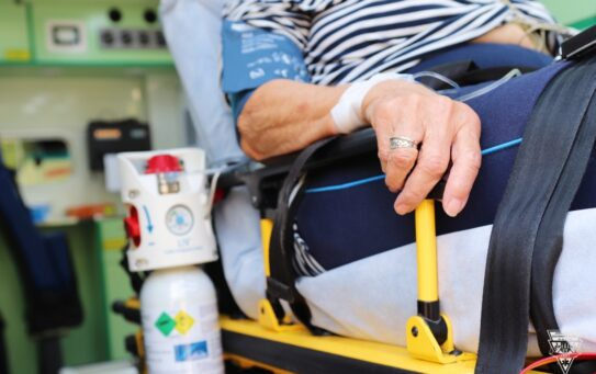 Už třetí týden mají pražští záchranáři denně méně jak 50 pacientů nakažených covidem-19