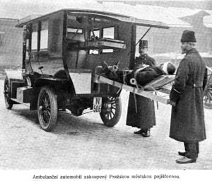 První sanitní automobil 1911
